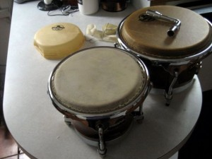 from http://www.instructables.com/id/How-to-re-skin-a-drum/